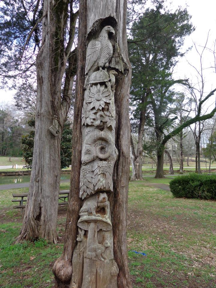 Carved tree in Orr Park